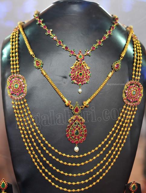 Rubies Jewellery Set