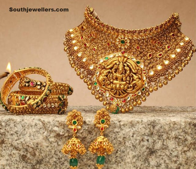 Necklace Set by NAC Jewellers