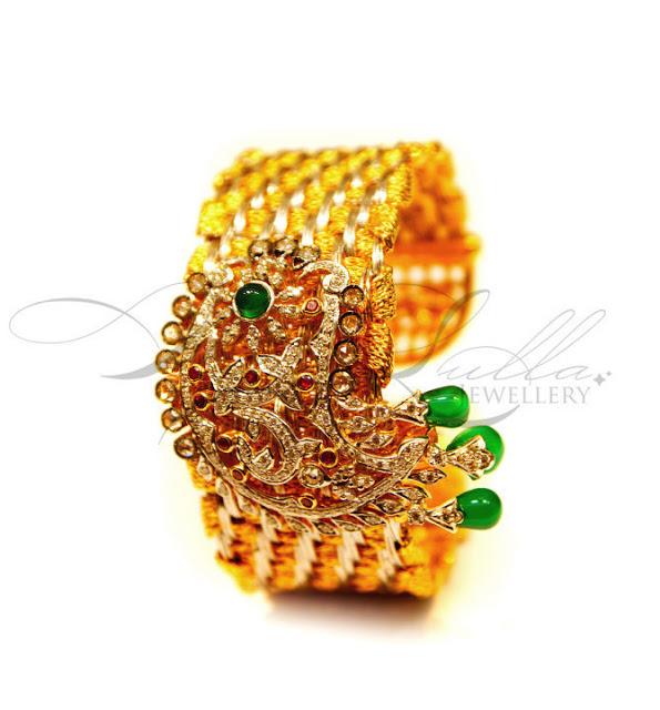 Stunning Bracelet Studded With Diamonds