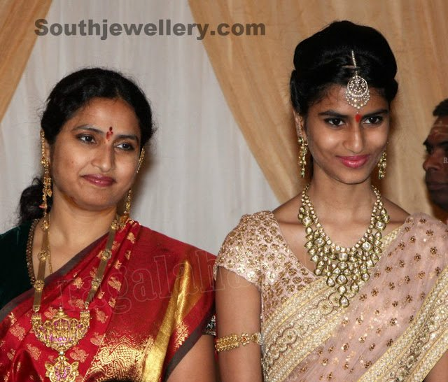 Celebrity Jewellery at Tejaswinis Wedding