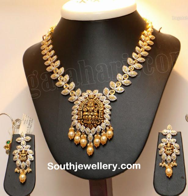 Diamond Necklace with Nakshi Pendant