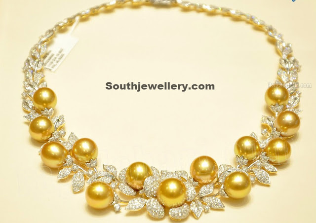 Contemporary Gold and Diamond Necklace