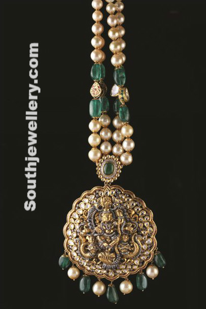 Antique Pearls and Emeralds Necklace