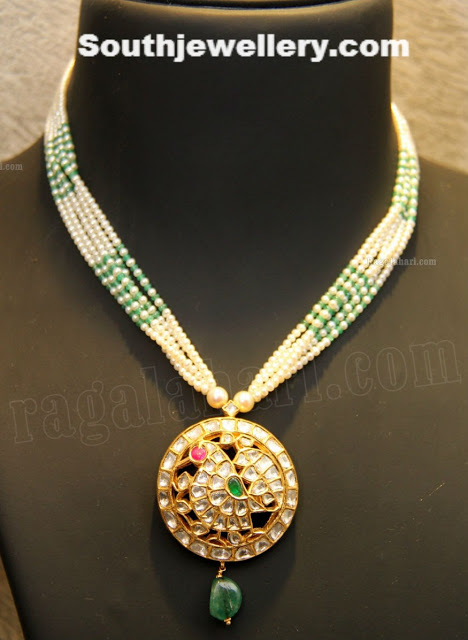 Pearls Necklace with Kundan Pendant