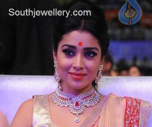 Shriya in Diamond Necklace and Earrings.