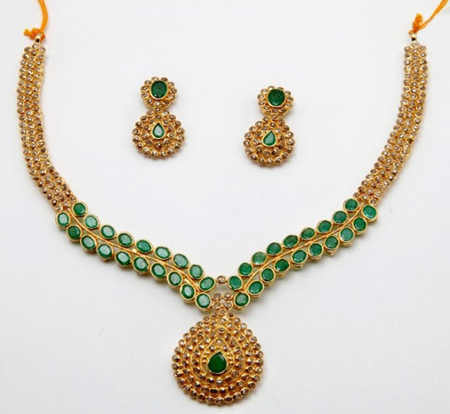 Uncut Diamond Necklace Studded with Emeralds