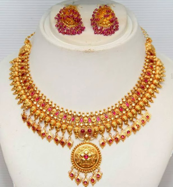 dfa68a40bc10d Traditional Gold Necklace by GRT Jewellers - Jewellery Designs