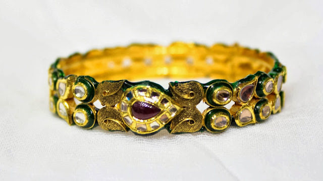 Antique Kundan Bangle