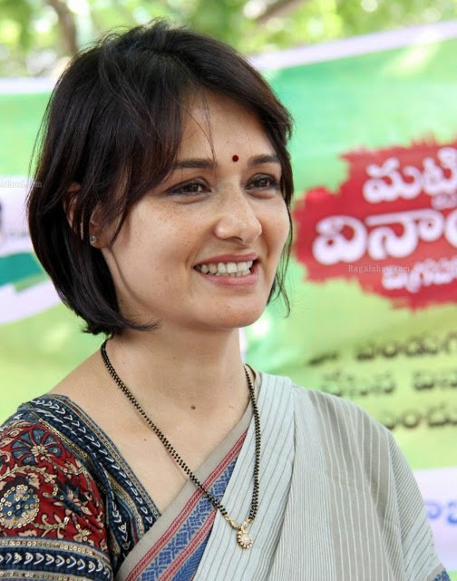 Amala Akkineni in Simple Mangalsutra