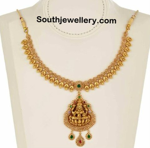 Traditional Gold Necklace with Uncuts