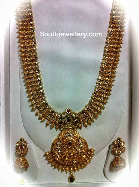 22 Carat Gold Antique Long Chain