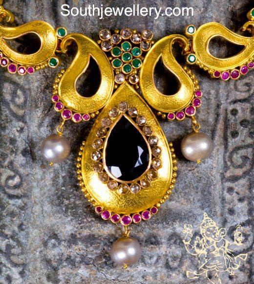 Paisley Design Gold Necklace