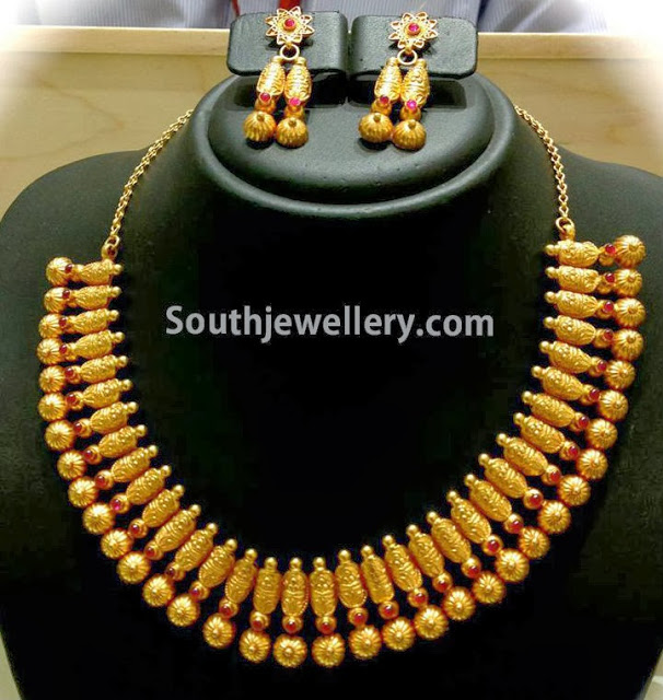 Traditional Antique Gold Necklace Traditional Gold Necklace With