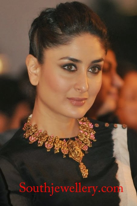 Kareena Kapoor in Temple Jewellery