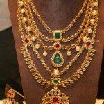Sparkling Pachi Necklace Set