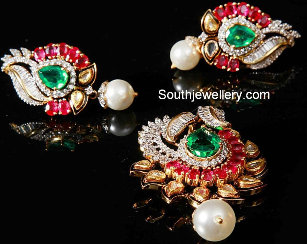 stones pendant set