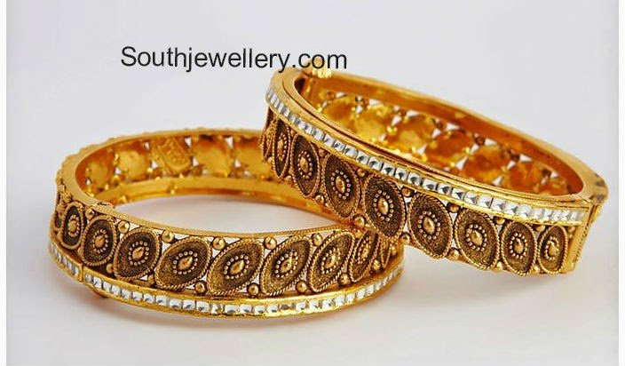 antique finsih gold bangles