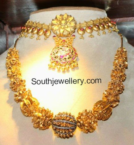 gold balls necklace