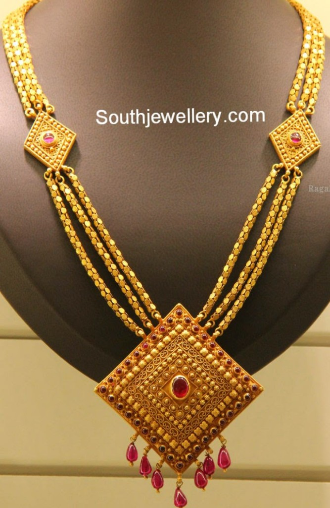 Three Chained Gold Haram With Diamond Shaped Pendant