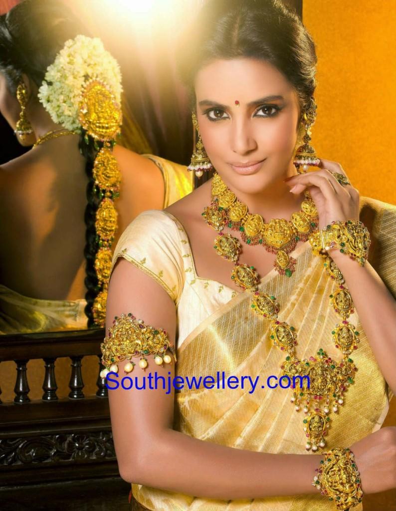 priya anand temple jewellery