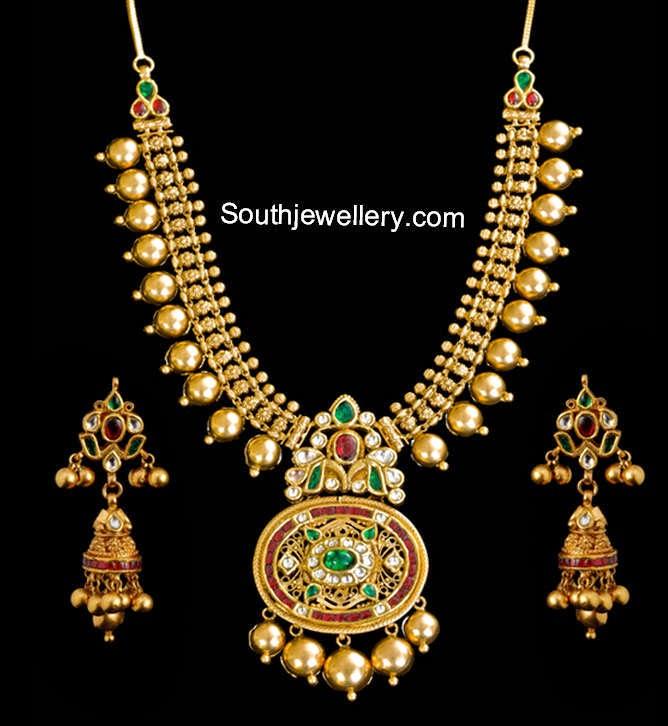 antique necklace models