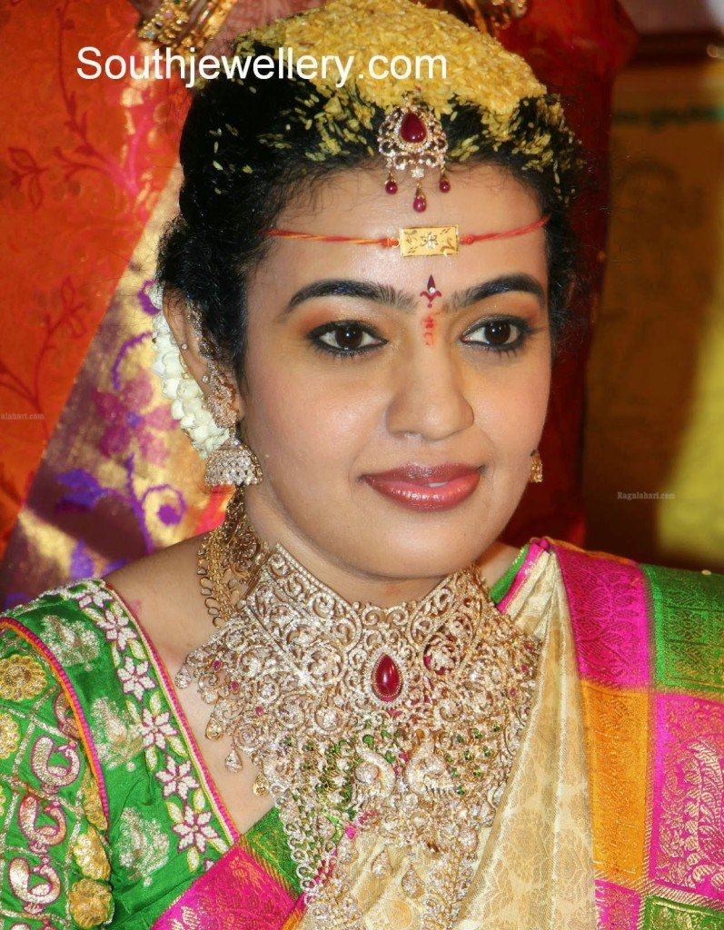 south indian bride in diamond jewelelry