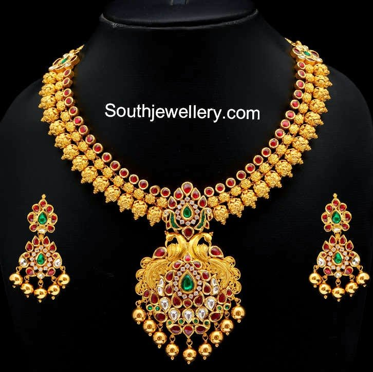 latest gold necklace designs images