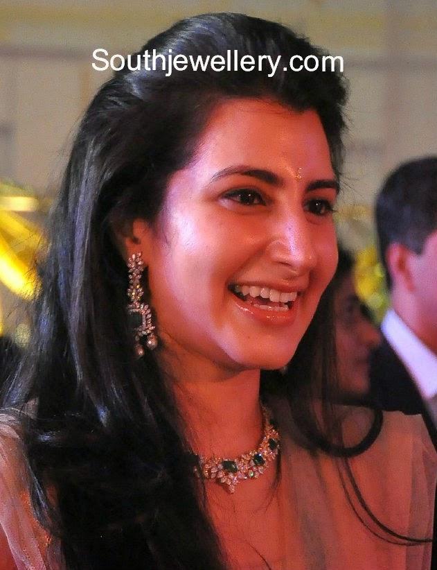 nara brahmini diamond emerald necklace