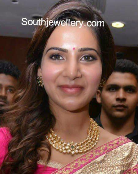 samantha in kundan necklace