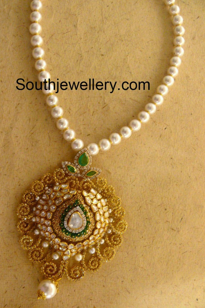 Pearls Necklace with Uncut Pendant - Jewellery Designs