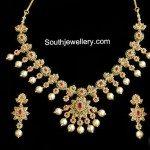 Lovely Floral Uncut Diamond Necklace
