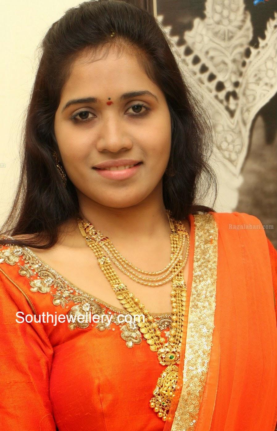 Suhasini in gundla haram jewellery designs - Bride In Uncut Necklace And Kasu Haram