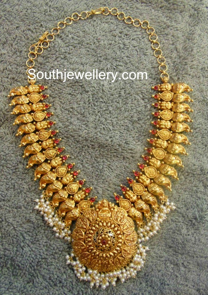 Traditional Mango Necklace
