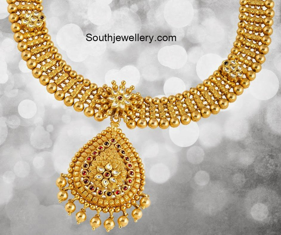 Simple antique kundan necklace jewellery designs for Simple gold ornaments