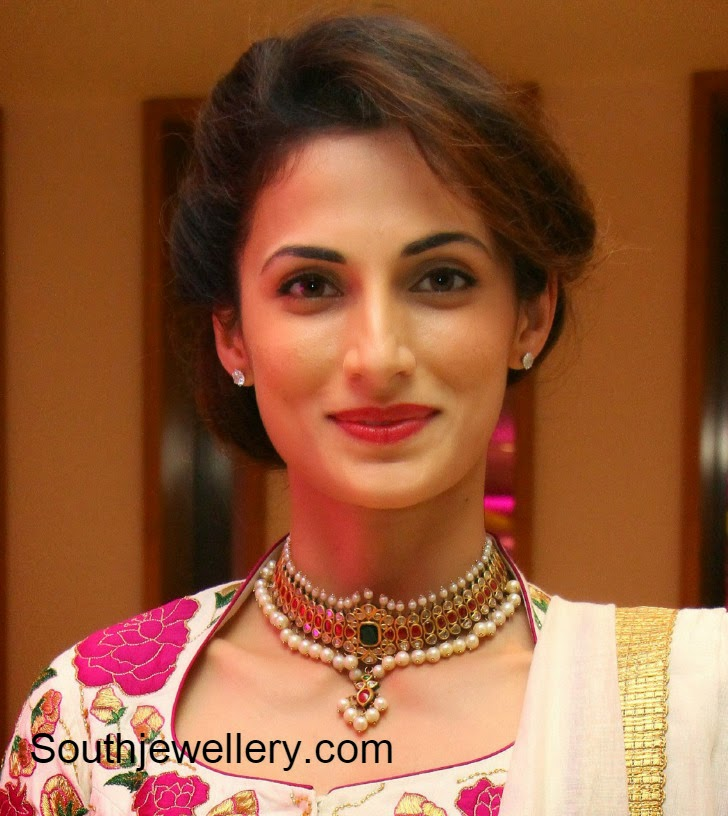 Shilpa Reddy In Uncut Diamond Choker Jewellery Designs