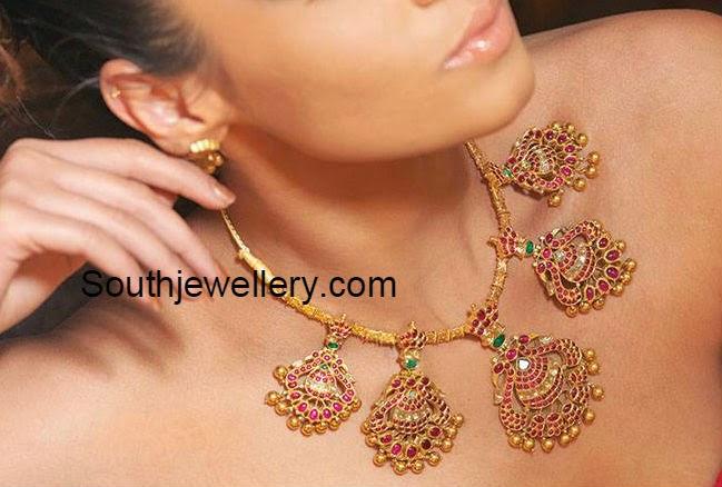 peacock motifs necklace