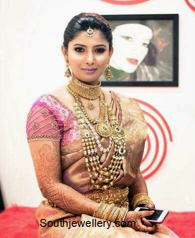 south indian bride in antique jewellery