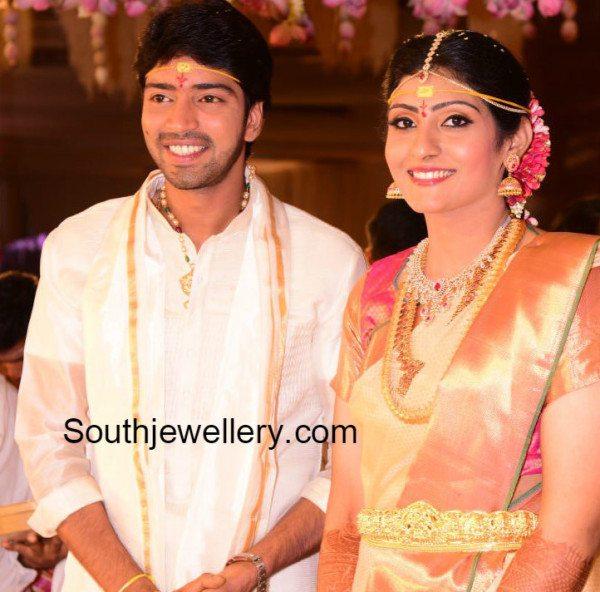 allarinaresh_wife_virupa_wedding_jewelry