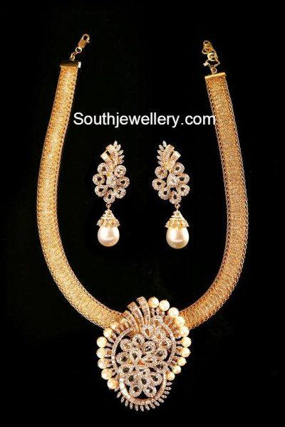 mesh_chain_with_diamond_pendant