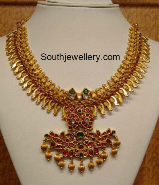 traditional_gold_necklace