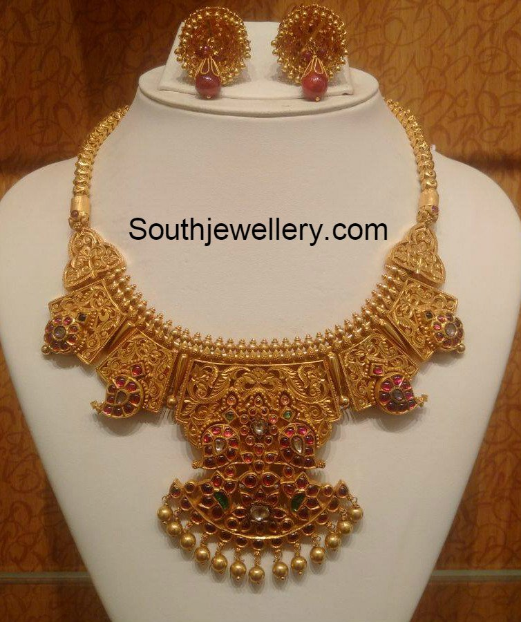 Traditional Antique Gold Necklace - Jewellery Designs