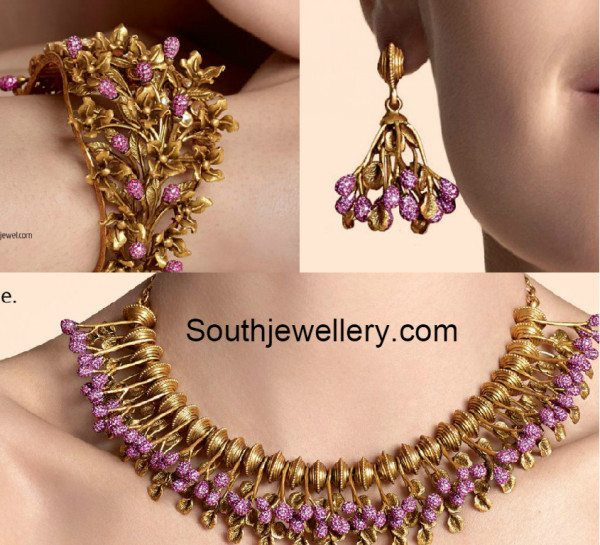 antique_necklace_and_earrings_set