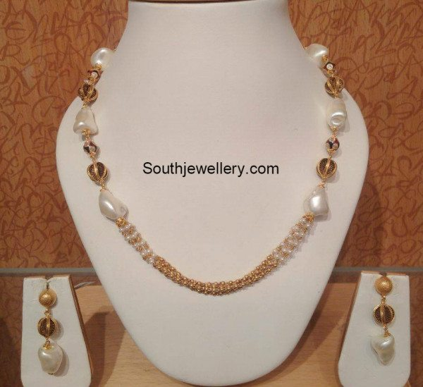 simple_pearls_necklace