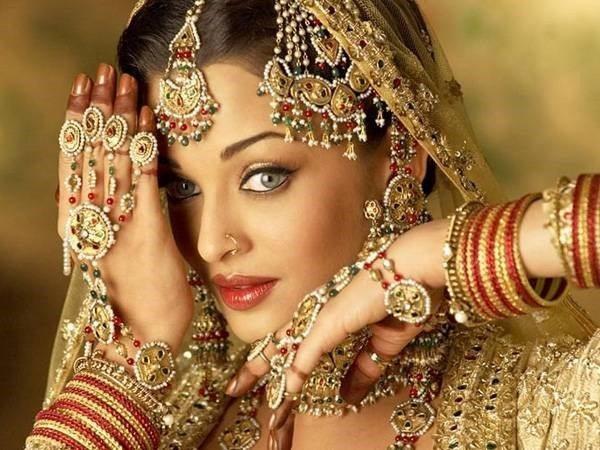aishwarya_rai_haathphool