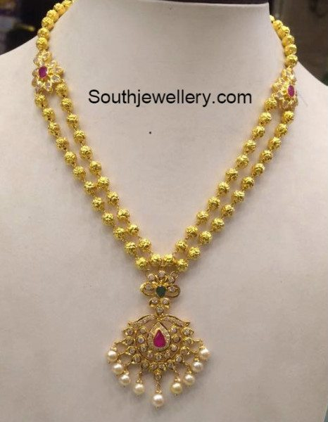 32 Grams Antique Gold Necklace Jewellery Designs
