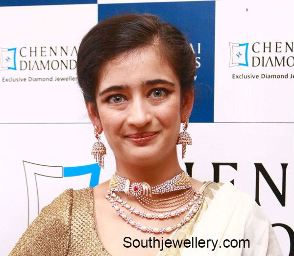 akshara_haasan_diamond_necklace_chennai_+diamonds_inauguration