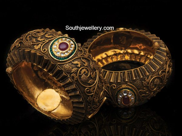 antique_broad_bangles