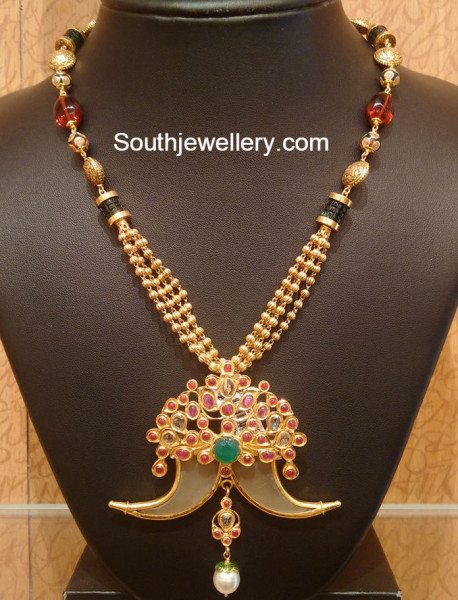 gold_necklace_with_puligoru_pendant