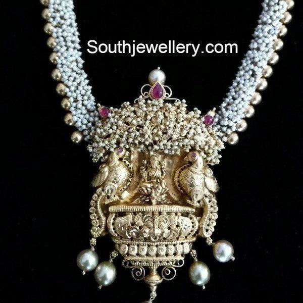 pearl_lakshmi_pendant