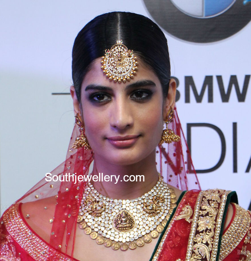 Suhasini in gundla haram jewellery designs - Lakshmi Polki Diamond Choker And Tikka